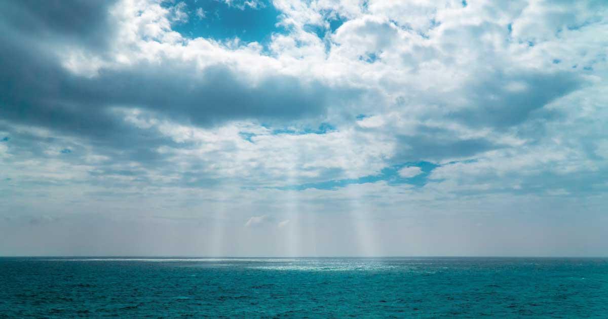 海の神が降臨しそうな光